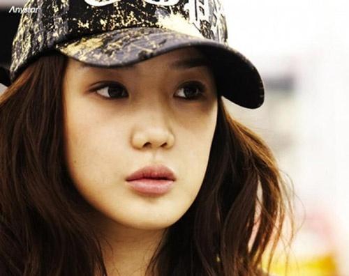 Nhan sắc của Park Bom 2NE1 trước khi biến thành thảm họa thẩm mỹ