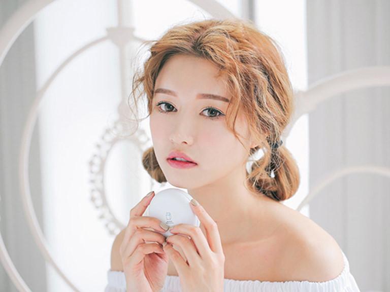 Cushion( phấn nước) luôn là lựa chọn hàng đầu đối với chị em Hàn Quốc
