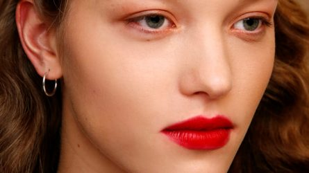 10 màu son đỏ giúp bạn nổi bật trong ngày đầu năm